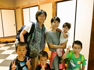 Guest mothers and kids from Kanagawa